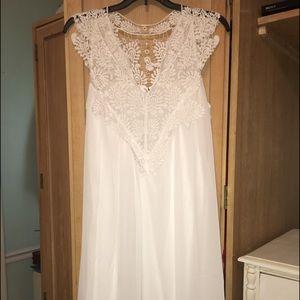 Dresses & Skirts - White summer shift dress